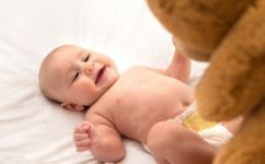 婴儿做被动操怎么做 这么做促进宝宝健康发育