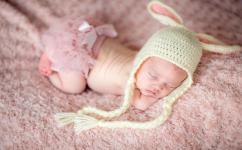 在春天出生的新宝宝应该如何换尿布?尿布应该如何选择?