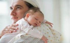 宝宝每次吃饱是不是都需要进行拍嗝?怎么判断宝宝是不是吃饱了?