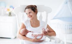 新生儿吃母乳吃1个小时 原来与这些因素有关系