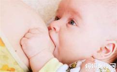 宝宝想吃就要给他吃吗 喂养宝宝这些错误方式不可取