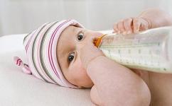 新生儿便秘怎么办?有助于缓解宝宝便秘的食疗粥