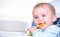 宝宝腹泻后吃什么调养 试试这些营养又止泻的食物